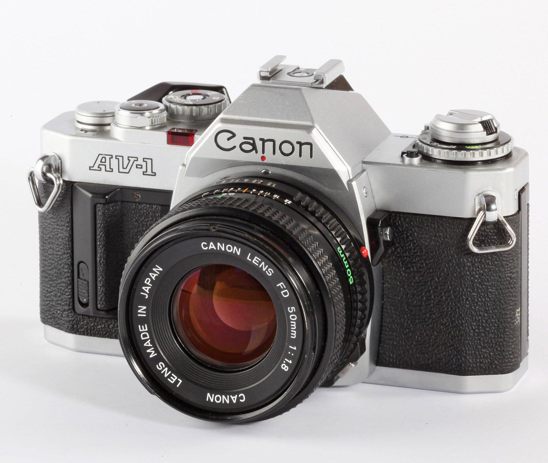 Canon AV-1 chrom + Canon FD 50mm/1,8