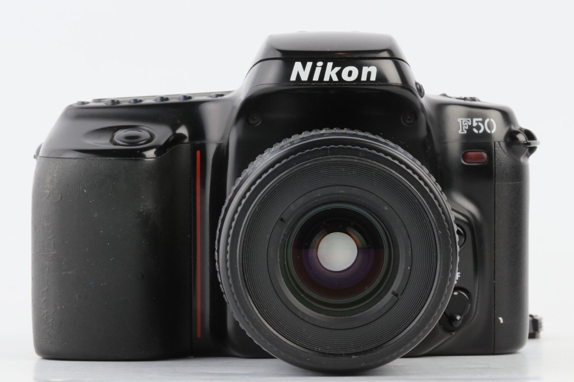 Nikon F50 + AF Nikkor 35-80mm 4-5,6 D