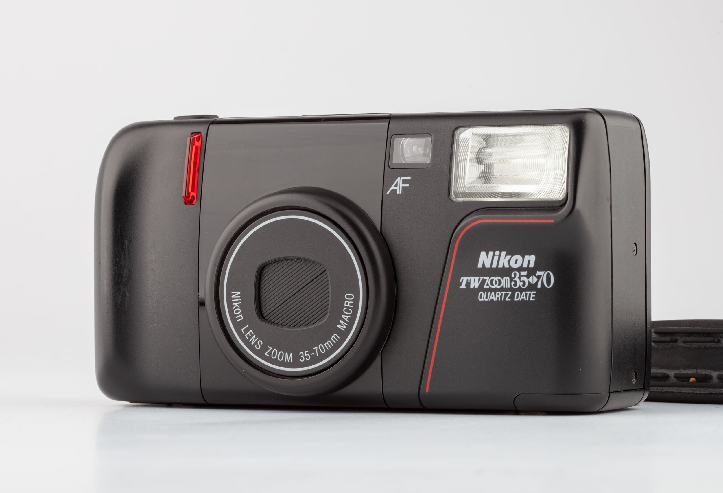 Nikon TW zoom 35-70mm Makro Quartz Date