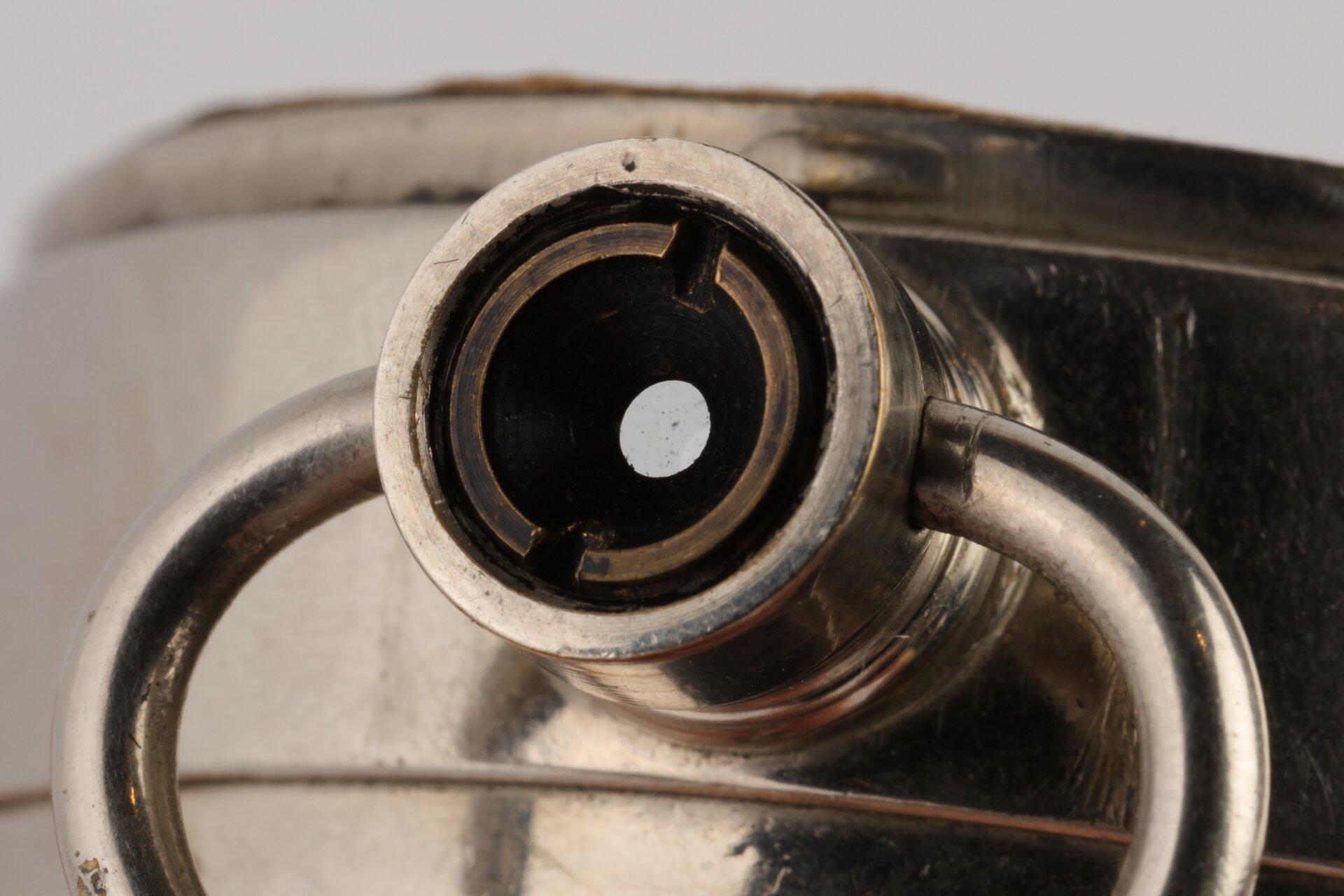 """Taschenuhrkamera """"Ticka"""" HTC Houghton's Limited"""