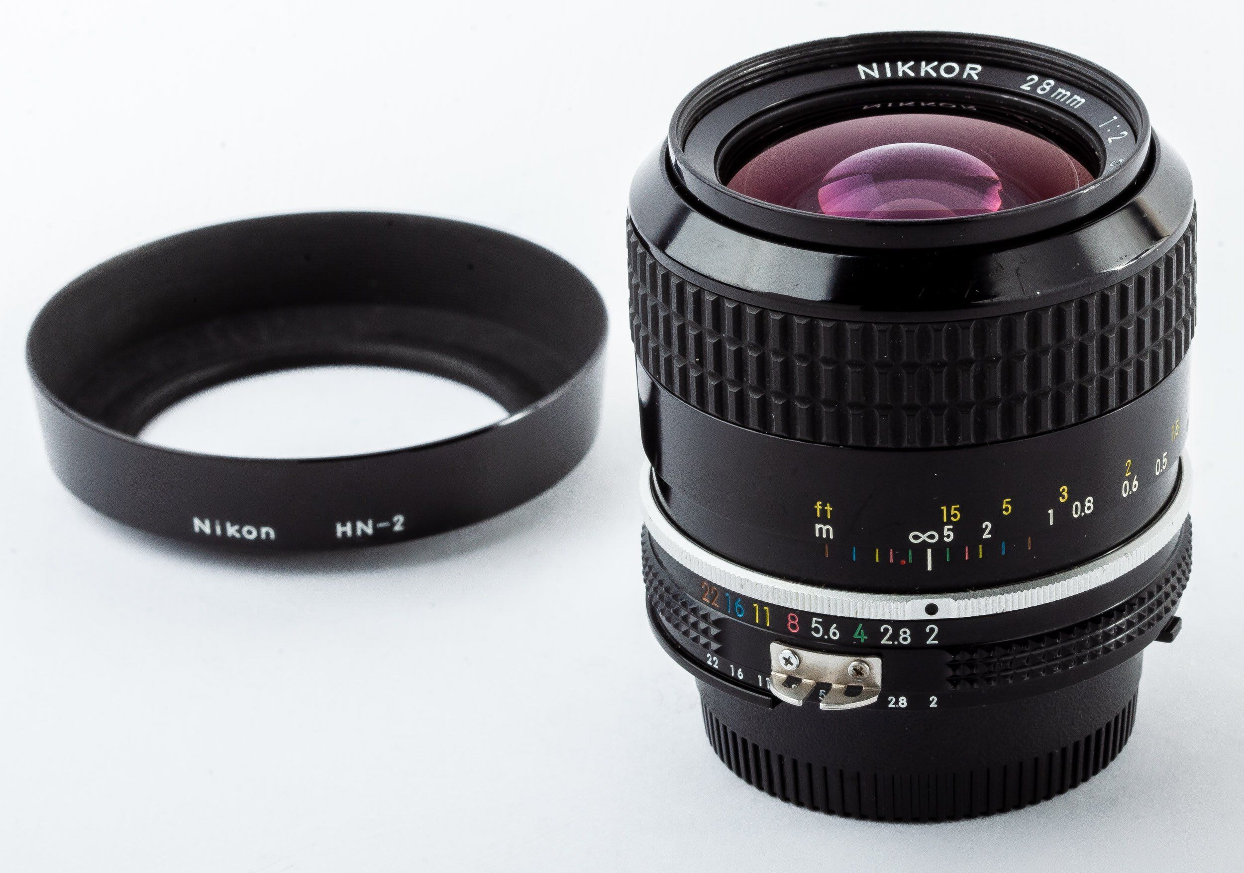 Nikon Nikkor 28mm/2,0 Ai