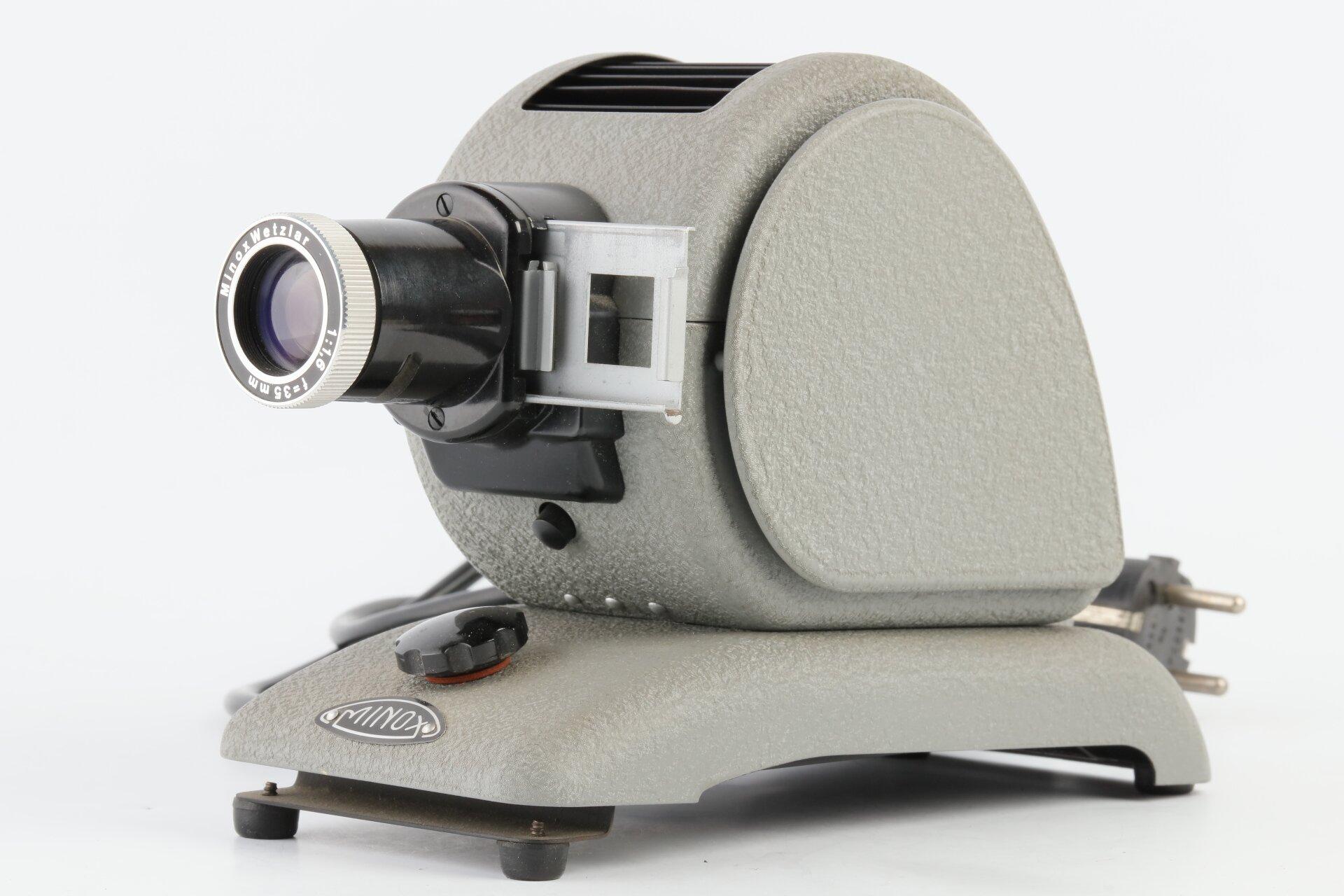 Minox Diaprojektor Typ 3001 für Minox-Dias mit Minox Wetzlar 1,6/35mm