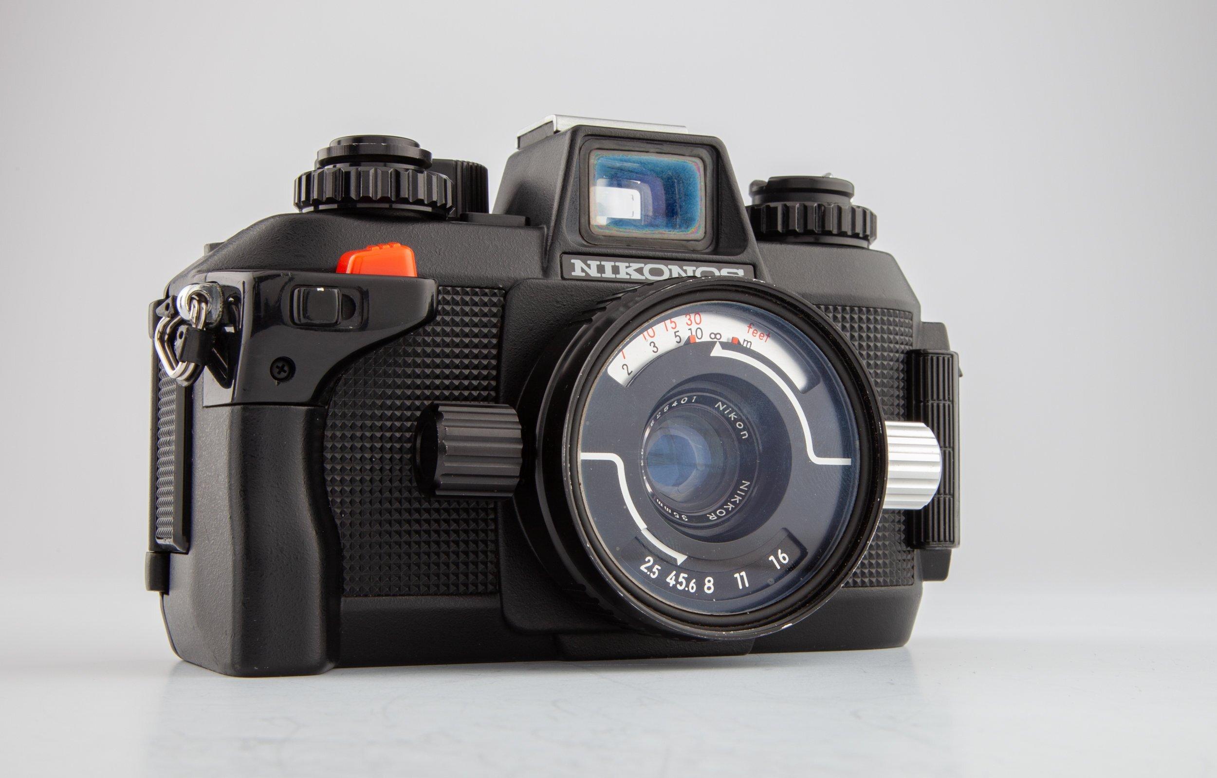 Nikonos-IV-A Gehäuse + Nikon Nikkor 2,5/35mm