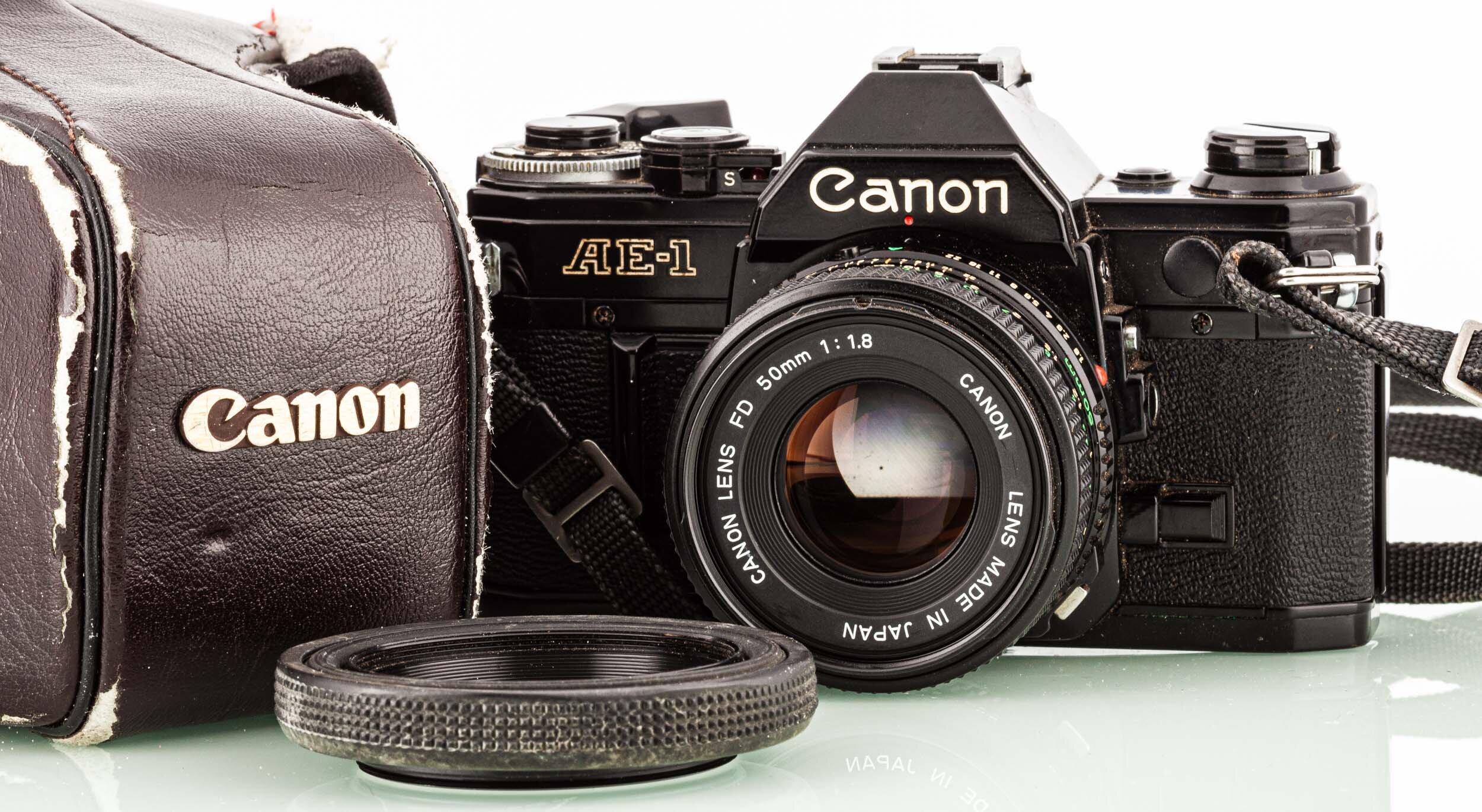 Canon AE-1 + Canon FD 50mm/1,8 schwarz